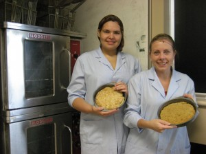 Georgina with our other student Lindsey Boyd with their high fibre bannock